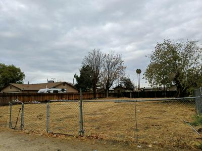 664 FRESNO AVE, Shafter, CA 93263 - Photo 2