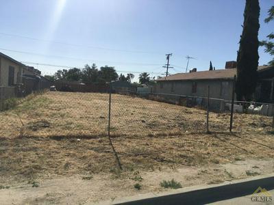 325 GLENWOOD ST, Delano, CA 93215 - Photo 2