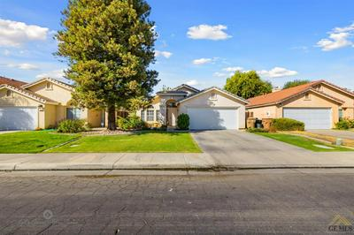 4918 HARTWICK CT, Bakersfield, CA 93313 - Photo 2