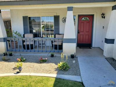 327 SHERMAN PEAK DR, Bakersfield, CA 93308 - Photo 2