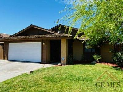 5213 STANCLIFF ST, Bakersfield, CA 93307 - Photo 1