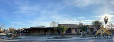 8309 PARADISE RD, Lamont, CA 93241 - Photo 2