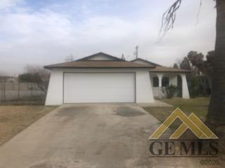400 S VALLEY ST, Shafter, CA 93263 - Photo 2