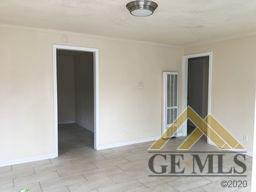 323 S H ST, Bakersfield, CA 93304 - Photo 1
