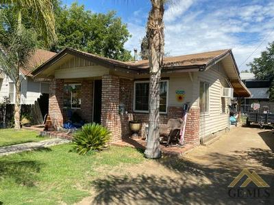 128 WILSON AVE, Bakersfield, CA 93308 - Photo 2