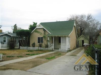 215 DOUGLAS ST, Bakersfield, CA 93308 - Photo 2
