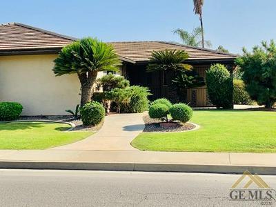 2100 EMERSON ST, Bakersfield, CA 93309 - Photo 2