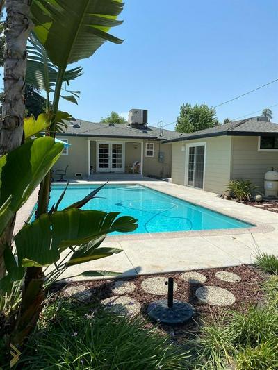2017 LOCUST RAVINE, Bakersfield, CA 93306 - Photo 2