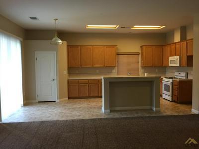 11122 DAWSON FALLS AVE, Bakersfield, CA 93312 - Photo 2