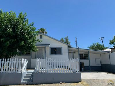 107 OAK ST, Taft, CA 93268 - Photo 2