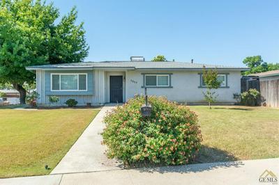 1217 WASHINGTON AVE, Bakersfield, CA 93308 - Photo 2
