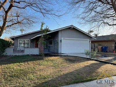 4305 SUGAR CANE AVE, Bakersfield, CA 93313 - Photo 1