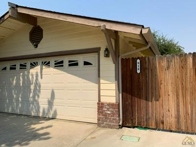 918 MACBRADY AVE, Bakersfield, CA 93308 - Photo 2