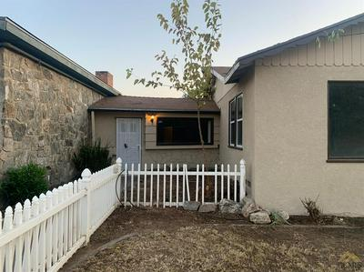 7901 PALM AVE, LAMONT, CA 93241 - Photo 2
