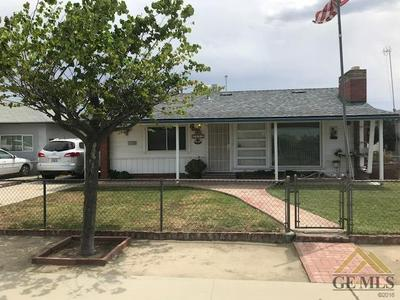 1622 CLINTON ST, Delano, CA 93215 - Photo 2