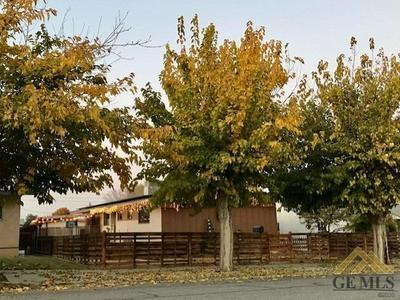 216 E WOODROW ST, Taft, CA 93268 - Photo 2