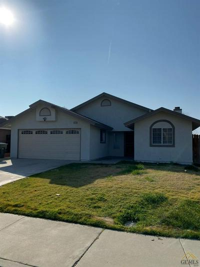 1315 STAPLES DR, ARVIN, CA 93203 - Photo 2