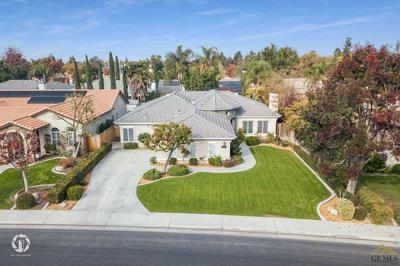 10210 LOUGHTON AVE, Bakersfield, CA 93311 - Photo 2