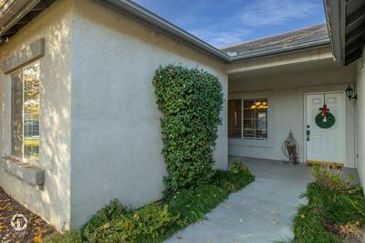 8506 SEVEN HILLS DR, Bakersfield, CA 93312 - Photo 2