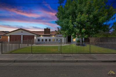 5918 E BRUNDAGE LN, Bakersfield, CA 93307 - Photo 1