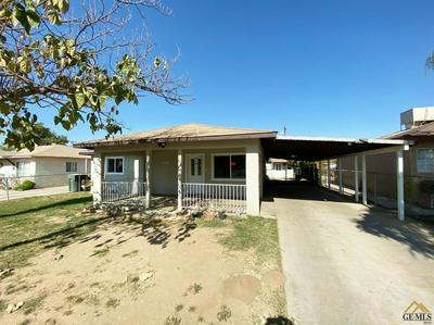 8404 PALM AVE, Lamont, CA 93241 - Photo 1