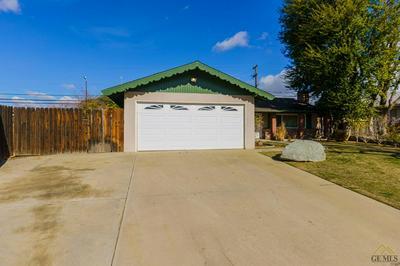 2724 ERIC CT, Bakersfield, CA 93306 - Photo 1