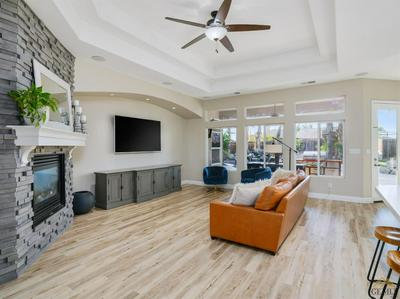 15645 CHATEAU MONTELENA DR, BAKERSFIELD, CA 93314 - Photo 2