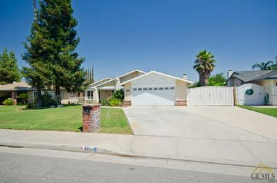 4608 PINECASTLE AVE, Bakersfield, CA 93313 - Photo 2