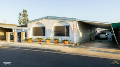 400 ROBERTS LN # 106, Bakersfield, CA 93308 - Photo 2
