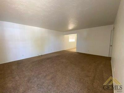 218 E ST STREET, Taft, CA 93268 - Photo 2