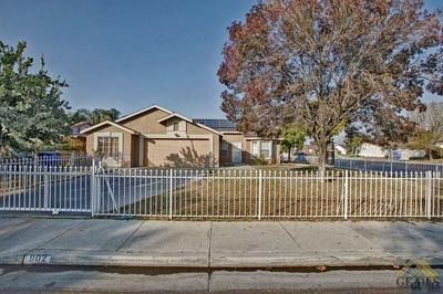 902 IVY TRAE LN, Bakersfield, CA 93307 - Photo 1