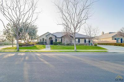 5909 INVERWOOD DR, Bakersfield, CA 93314 - Photo 1