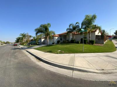 5003 MAR GRANDE DR, Bakersfield, CA 93307 - Photo 2