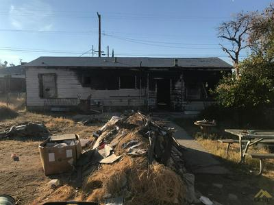 407 ROSE AVE, Taft, CA 93268 - Photo 2