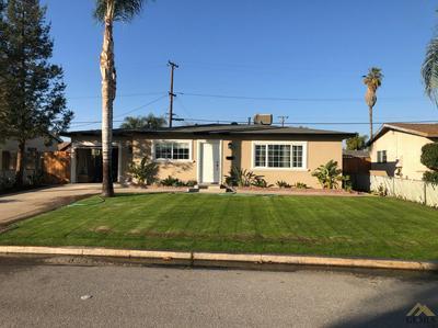 330 E ORANGE AVE, Shafter, CA 93263 - Photo 2