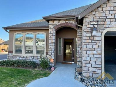 9129 RED PINE DR, Shafter, CA 93263 - Photo 2