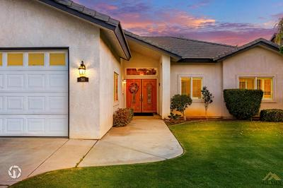 561 MEADOW RISE CT, Bakersfield, CA 93308 - Photo 2