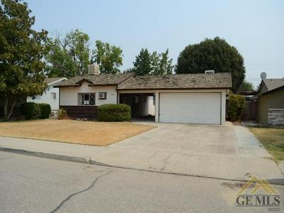 1110 CYPRESS AVE, Wasco, CA 93280 - Photo 2