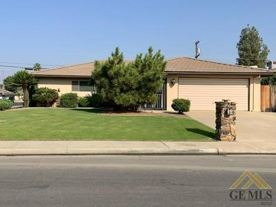 2100 EMERSON ST, Bakersfield, CA 93309 - Photo 1