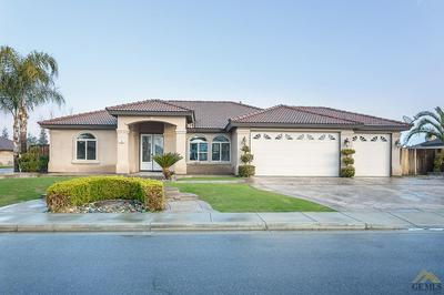 790 PINE CONE ST, Shafter, CA 93263 - Photo 2
