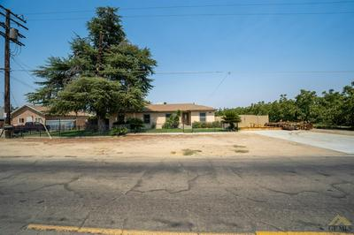 250 W RIVERSIDE ST, Shafter, CA 93263 - Photo 2