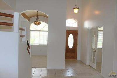 4616 STEEPLECHASE DR, BAKERSFIELD, CA 93312 - Photo 2