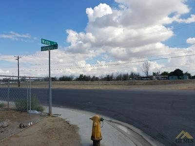 2030 COTTONWOOD RD, Bakersfield, CA 93307 - Photo 1