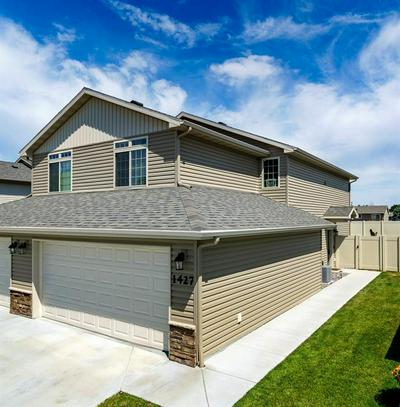 1427 NAPLES ST, Billings, MT 59105 - Photo 2
