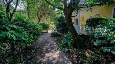 550 LIBERTY RD, Petaluma, CA 94952 - Photo 2