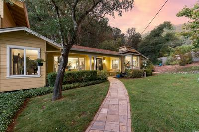 1117 W STANDLEY ST, Ukiah, CA 95482 - Photo 2