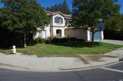 555 BOONE DR, Vacaville, CA 95687 - Photo 2