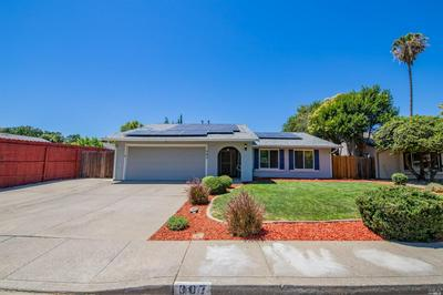 307 EDWIN DR, Vacaville, CA 95687 - Photo 2