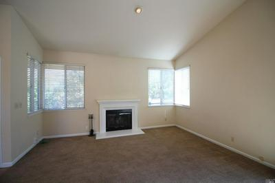 900 BLUEWATER DR, Vacaville, CA 95688 - Photo 2