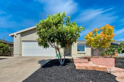 2212 GREENFIELD DR, Fairfield, CA 94534 - Photo 2